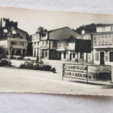 Postales: CORCUBION CEE A CORUÑA FOTO CAAMAÑO Nº4 PLAZA DE BLANCO RAJOY 1961 ESCRITA Y CIRCULADA. Lote 275164808