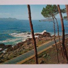 Postales: BAIONA / BAYONA - PAISAJE CON LAS ISLAS CÍES - LAXC - P57403. Lote 277646408