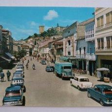 Postales: MONFORTE DE LEMOS - CALLE CARDENAL RODRIGO DE CASTRO - CAMIÓN - SEAT 1500 - LUGO - LAXC - P57731. Lote 277828313