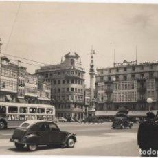 Cartoline: POSTAL- LA CORUÑA-PLAZA DEL OBELISCO. Lote 294927368