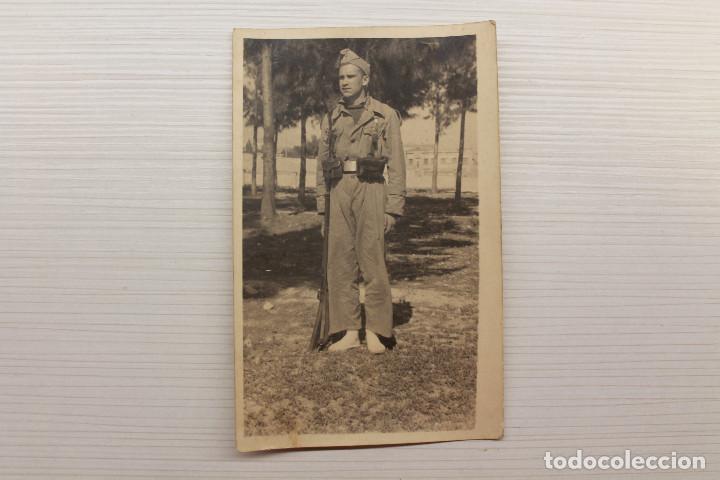 POSTAL FOTOGRÁFICA SOLDADO REPUBLICANO (Postales - Postales Temáticas - Guerra Civil Española)