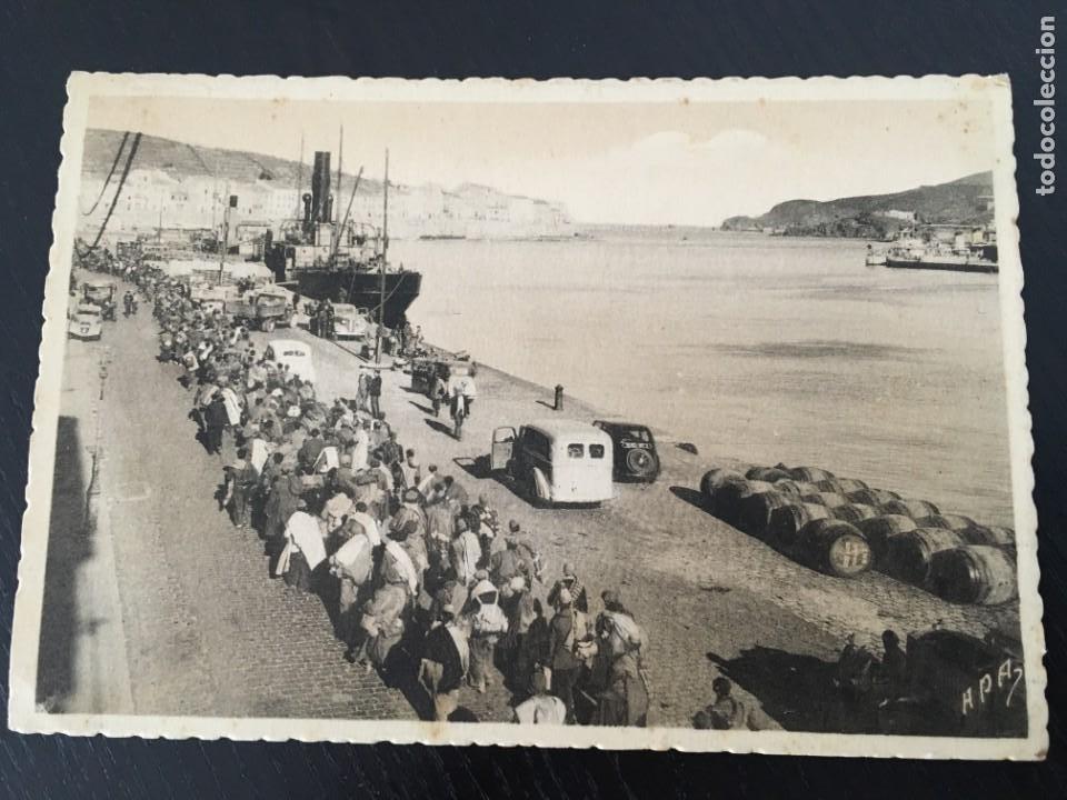 21 CARAVANA DE MILICIANOS ATRAVESANDO PORT-VENDRES, ORIGINAL (Postales - Postales Temáticas - Guerra Civil Española)