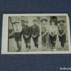 Postales: BOY - SCOUTS , POSTAL FOTOGRAFICA, AÑOS 20, BOY-SCOUTS 14X9 CM.. Lote 213859177