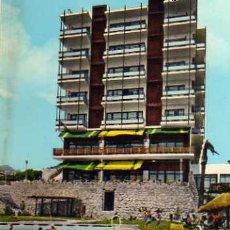 Postales: HOTEL TRITON TORREMOLINOS COSTA DEL SOL Nº 20 ESCRITA CIRCULADA SELLO. Lote 31692237