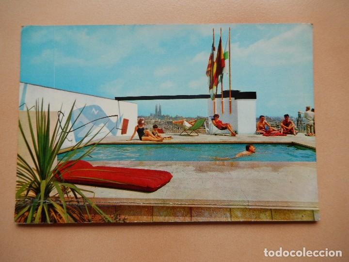 BARCELONA, PISCINA EN LA TERRAZA DEL HOTEL MAJESTIC, SIN CIRCULAR (Postales - Postales Temáticas - Hoteles y Balnearios)