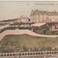 Postales: FRANCIA, DEAVUVILLE-SUR MER, LE GRAND HOTEL, CIRCULADA CON SU SELLLO. Lote 128278935