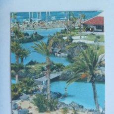 Postales: POSTAL DE PUERTO DE LA CRUZ , TENERIFE ( CANARIAS ): LAGO MARTIAÑEZ . AÑOS 60 . INGLESA. Lote 147359462
