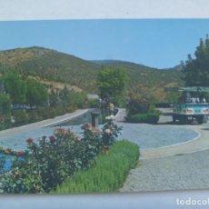 Postales: LOS JARDINES DE DESPEÑAPERROS , CARRETERA GENERAL MADRID - CADIZ . 1966. Lote 229649385