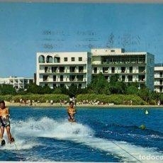 Postales: GERONA, ROSAS HOTEL CORAL PLAYA. MALLAL. CIRCULADA 1968. Lote 291059263
