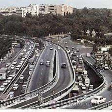 Postales: MADRID. PLAZA DEL EMPERADOR CARLOS V, PASO ELEVADO. HELIOTIPIA ARTISTICA ESPAÑOLA. AÑO 1967. Lote 271558468