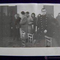 Postales: FOTO PALACIOS. GOBERNADOR CIVIL DE LOGROÑO LUIS MARTIN BALLESTERO Y SU SECRETARIO BARRASA. 1945. Lote 43931248