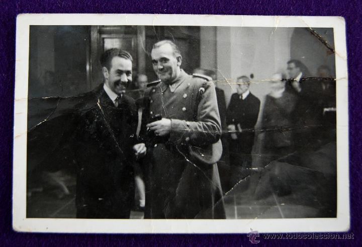 POSTAL FOTOGRAFICA DE LOGROÑO. AUTORIDADES EN EL PARQUE DE LA CASA SOCIAL CATÓLICA DE LOGROÑO. 1945 (Postales - España - La Rioja Moderna (desde 1.940))