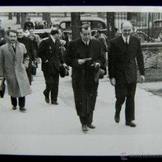 Postales: FOTO DE LOGROÑO. GOBERNADOR CIVIL, BALLESTERO, AL FRENTE, EN ACTO INSTITUCIONAL. 1945. Lote 48370746