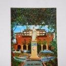 Postales: POSTAL MONUMENTO A MARCO FABIO QUINTILIANO. CALAHORRA. AL FONDO CASA CONSISTORIAL. TDKP7. Lote 58223763
