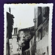 Postales: POSTAL DE ARNEDILLO (LA RIOJA). N°9 UNA CALLE DE LA VILLA. AÑOS 50.. Lote 62271952