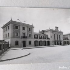 Postais: POSTAL DE LA RIOJA. LOGROÑO, FACHADA PRINCIPAL ESTACIÓN FERROCARRIL . Nº 14. Lote 176767590