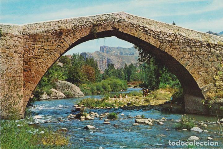 VIGUERA (LOGROÑO) PUENTE SOBRE EL RIO IREGUA - EDITA FARDI - S/C (Postales - España - La Rioja Moderna (desde 1.940))