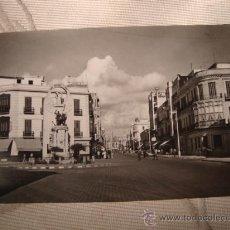 Postales: ANTIGUA POSTAL DE MELILLA, MONUMENTO A LOS CAIDOS. CON SELLO FRANCO.. Lote 24919092