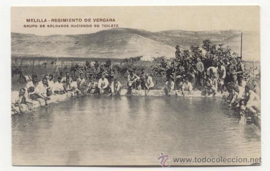 MELILLA REGIMIENTO DE VERGARA GRUPO DE SOLDADOS HACIENDO SU TOILETE (Postales - España - Melilla Antigua (hasta 1939))