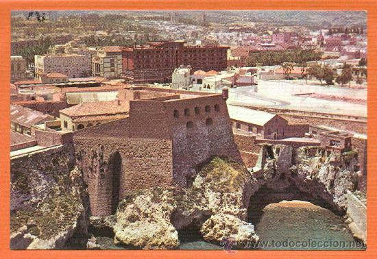 MELILLA - VISTA PARCIAL CON EDIFICIO ANFORA Y HOTEL - Nº 26 EXCLUSIVAS CARMAR MELILLA (Postales - España - Melilla Moderna (desde 1940))