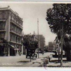 Postales: MELILLA CALLE PEDRO A. ALARCON. COCHE DE ÉPOCA. ACABADO FOTOGRÁFICO. ED. BOIX HERMANOS.. Lote 32139377