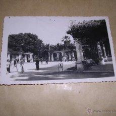 Postales: 12 MELILLA - PERGOLA DEL PARQUE HERNANDEZ . ED. CASA BOIX - CIRCULADA 1958 - 14X9 CM. . Lote 43551022