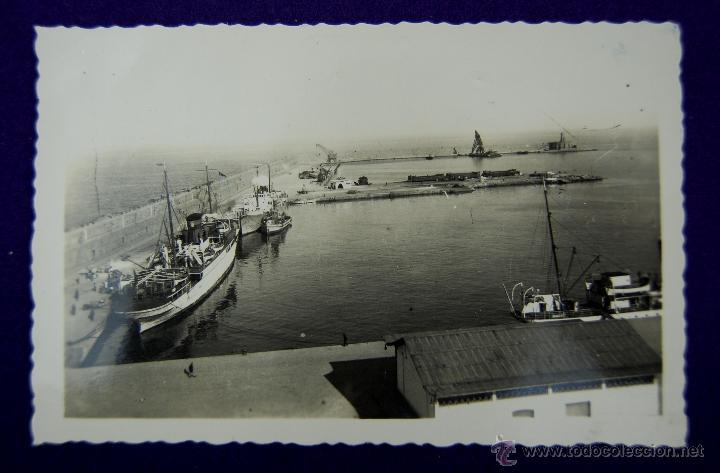 POSTAL DE MELILLA. Nº 19 PUERTO. EDIC CASA BOIX. AÑOS 50 (Postales - España - Melilla Moderna (desde 1940))
