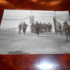 Postales: ANTIGUA POSTAL MELILLA GRUPO SOLDADOS EJERCITO ESPAÑOL GERRA AFRICA SIN ESCRIBIR CIRCA 1914. Lote 48730636