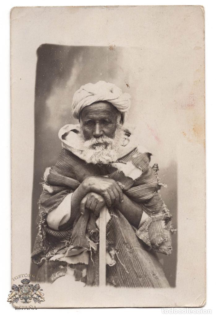 FOTOGRAFÍA POSTAL MELILLA 1912 - ANCIANO CON ROPAS TÍPICAS TUAREG (Postales - España - Melilla Antigua (hasta 1939))