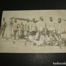 Postales: MELILLA GUERRA DE MARRUECOS POSTAL FOTOGRAFICA GRUPO DE SOLDADOS UNIFORMES DE RAYADILLO . Lote 88123704