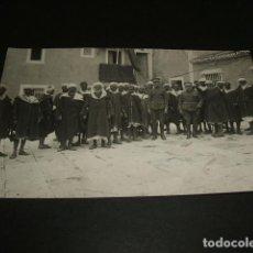 Postales: MELILLA GUERRA DEL RIF POSTAL FOTOGRAFICA RUBIO CEUTA MOROS NOTABLES SOMETIDOS EN LA COMANDANCIA. Lote 110245743