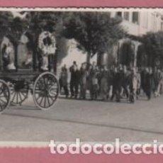 Cartes Postales: FOTO POSTAL DEL FOTOGRAFO EMILIO DE MELILLA ENTIERRO CARRO FUNEBRE. Lote 118663311