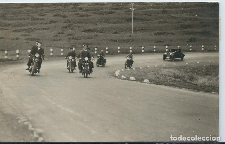 MELILLA - MOTORISTAS EN CARRETERA (Postales - España - Melilla Moderna (desde 1940))