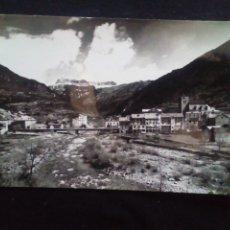 Postales: POSTAL FOTOGRÁFICA BROTO VISTA GENERAL AL FONDO MONDARRUEGO. Lote 180392043