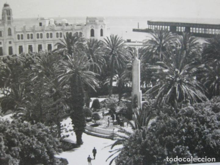 MELILLA-PLAZA DE ESPAÑA Y PALACIO MUNICIPAL-SELLO CORREO AEREO-FOTOGRAFICA-POSTAL ANTIGUA-(73.600) (Postales - España - Melilla Antigua (hasta 1939))