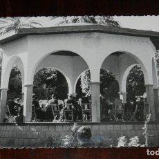 Cartoline: FOTO POSTAL DE MELILLA, PARQUE FERNANDEZ, TEMPLETE DE LA MUSICA, ED. ANAVITARTE, NO CIRCULADA.. Lote 218740712