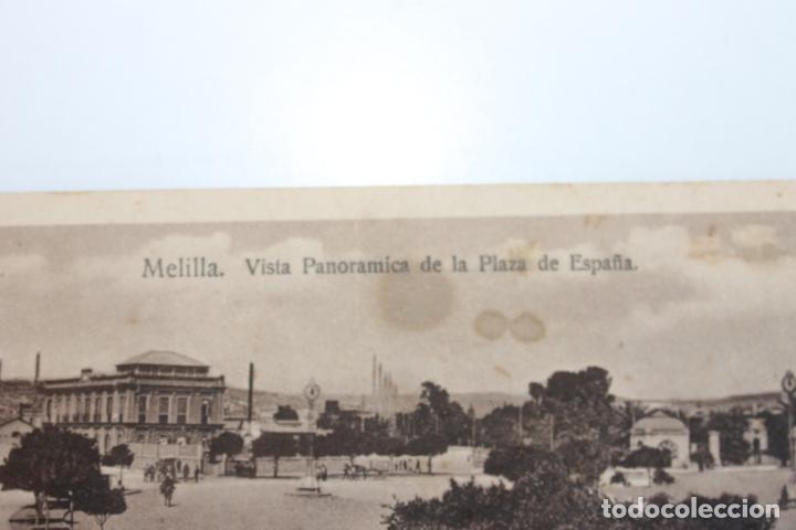 Postales: POSTAL DOBLE MELILLA. VISTA PANORAMICA DE LA PLAZA DE ESPAÑA, ESPAÑA NUEVA - Foto 2 - 253062945