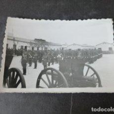 Postales: MELILLA ACTO MILITAR EN CUARTEL ANTIGUA FOTOGRAFIA 6 X 9 CMTS. Lote 275325928