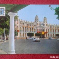 Postales: POST CARD CARTE POSTALE MELILLA PLAZA DE ESPAÑA PALACIO MUNICIPAL, MONTERO, 1971, COCHES DE ÉPOCA.... Lote 285371743
