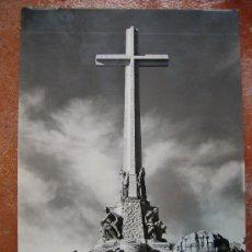 Postales: MONUMENTO NACIONAL DEL VALLE DE LOS CAIDOS CIRCULADA AÑO 61,VALLADOLID. Lote 26475822