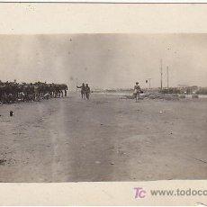 Postales: PS3048 POSTAL FOTOGRÁFICA DE MILITARES EN CAMPAMENTO - PODRÍA SER CAMPAÑA DE ÁFRICA. Lote 15290888