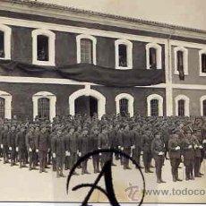 Postales: POSTAL FOTOGRÁFICA DE LA JURA DE BANDERA DE LOS QUINTOS DEL 2º REEMPLAZO DE 29.. Lote 26503973