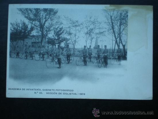 POSTAL AÑO 1909 ACADEMIA DE INFANTERÍA SECCIÓN DE CICLISTAS (Postales - Postales Temáticas - Militares)