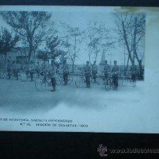 Postales: POSTAL AÑO 1909 ACADEMIA DE INFANTERÍA SECCIÓN DE CICLISTAS. Lote 35592335
