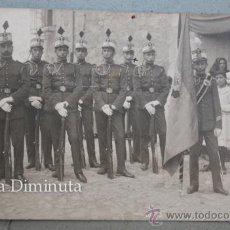 Postales: POSTAL DE MELILLA - SOLDADOS DE LA EPOCA DE ALFONSO XIII CON EL ESTANDARTE DE INTENDENCIA. Lote 36199527