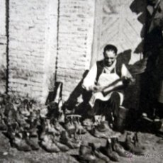 Postales: ZAPATERIA DE CAMPAÑA - MILITAR - - POSTAL - FOTOGRAFICA - CIRCA 1925 - HELIOTIPIA ARTISTICA ESPAÑOLA. Lote 40499838