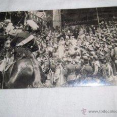 Postales: SS.MM.SALIENDO DE LA IGLESIA DE LOS GERONIMOS CIRCULADA Y FECHADA 1910. Lote 48946565