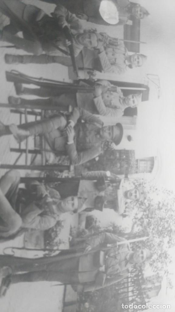 Postales: ANTIGUA POSTAL DE SOLDADOS ESPAÑOLES POSANDO - Foto 2 - 137980454
