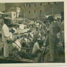 Postales: CAMPAÑA DE MELILLA. DESEMBARCO DE MULOS ARTILLERÍA. ESCRITA EN ESPERANTO. CIRCULADA EN 1917. RARA.. Lote 139521394