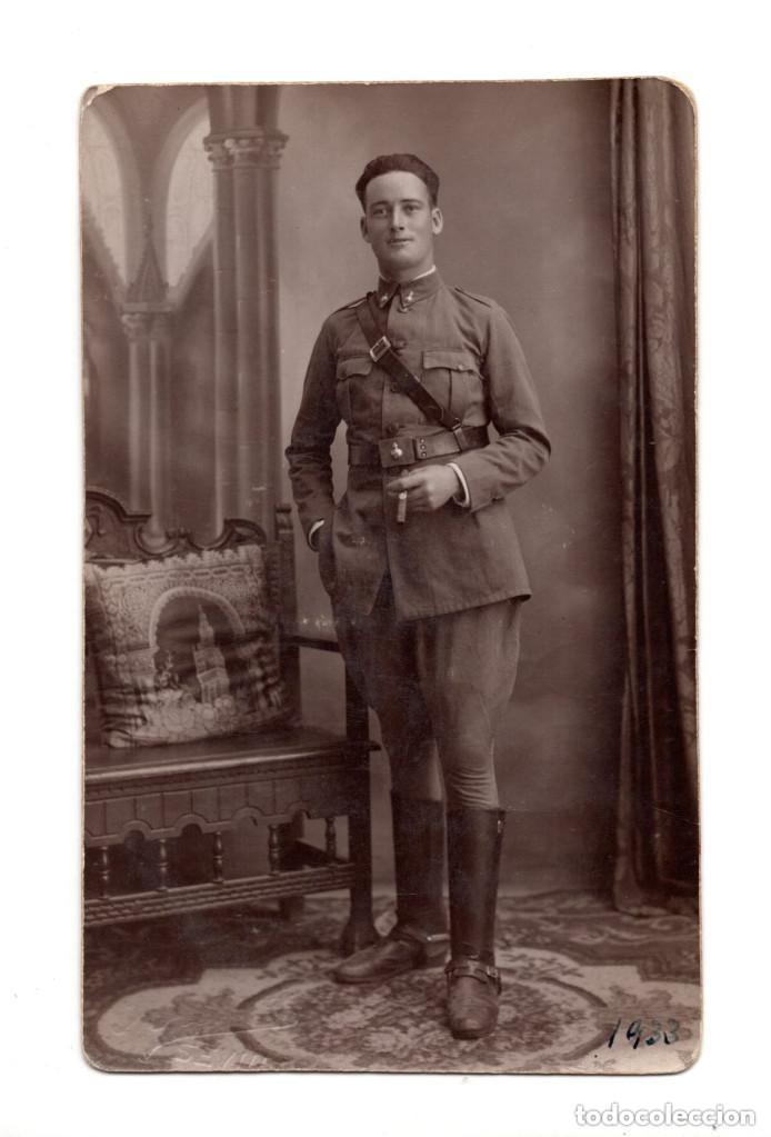 SEVILLA.- 1933. SOLDADO DE ARTILLERÍA. POSTAL FOTOGRÁFICA. (Postales - Postales Temáticas - Militares)